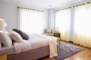 一人暮らしを始める際にはカーテンの準備を忘れずに